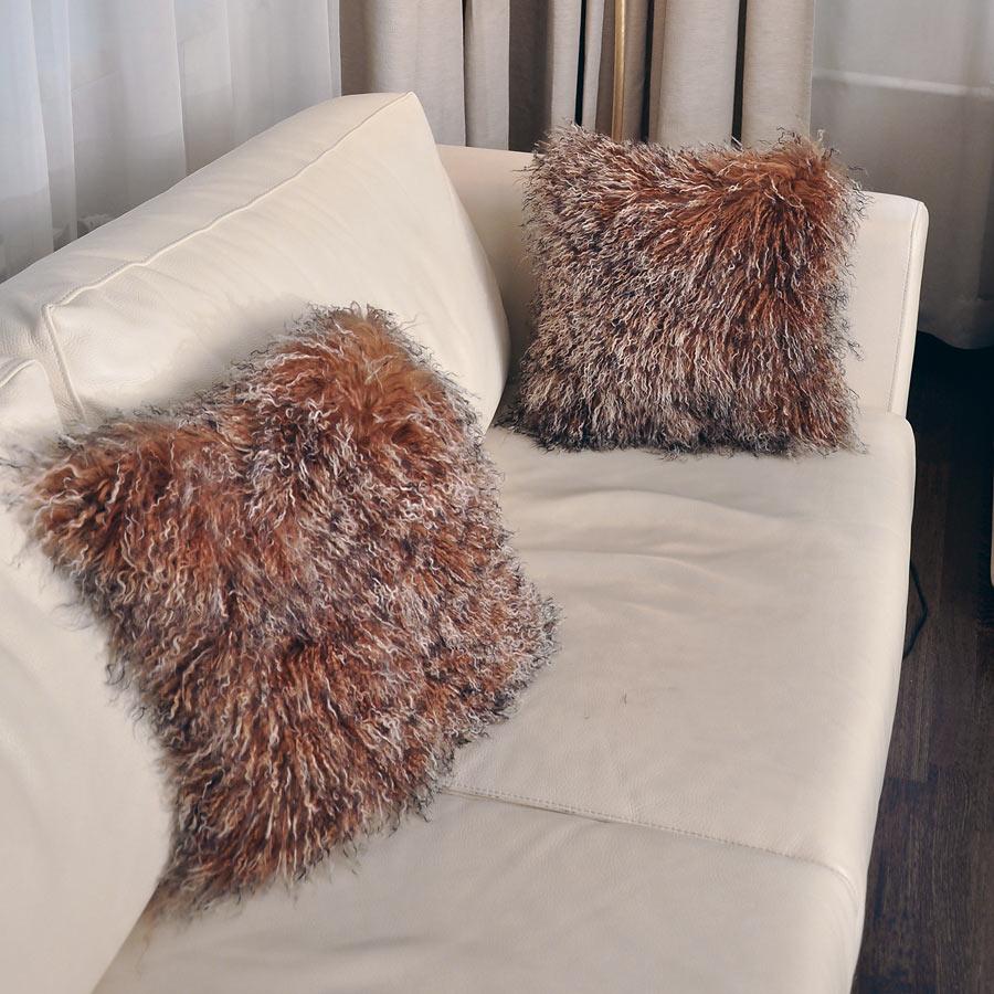 Подушка из меха ламы А2150